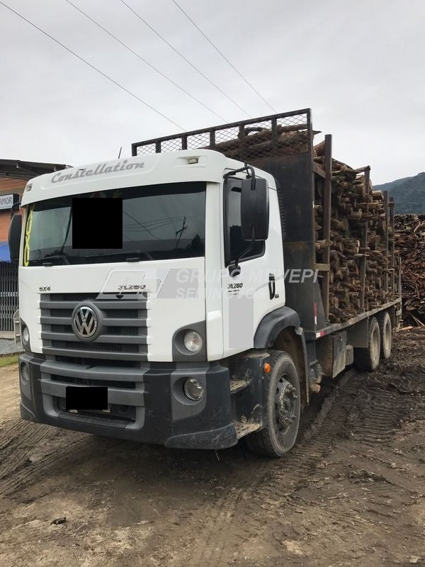 Imagem do veículo disponível para venda.
